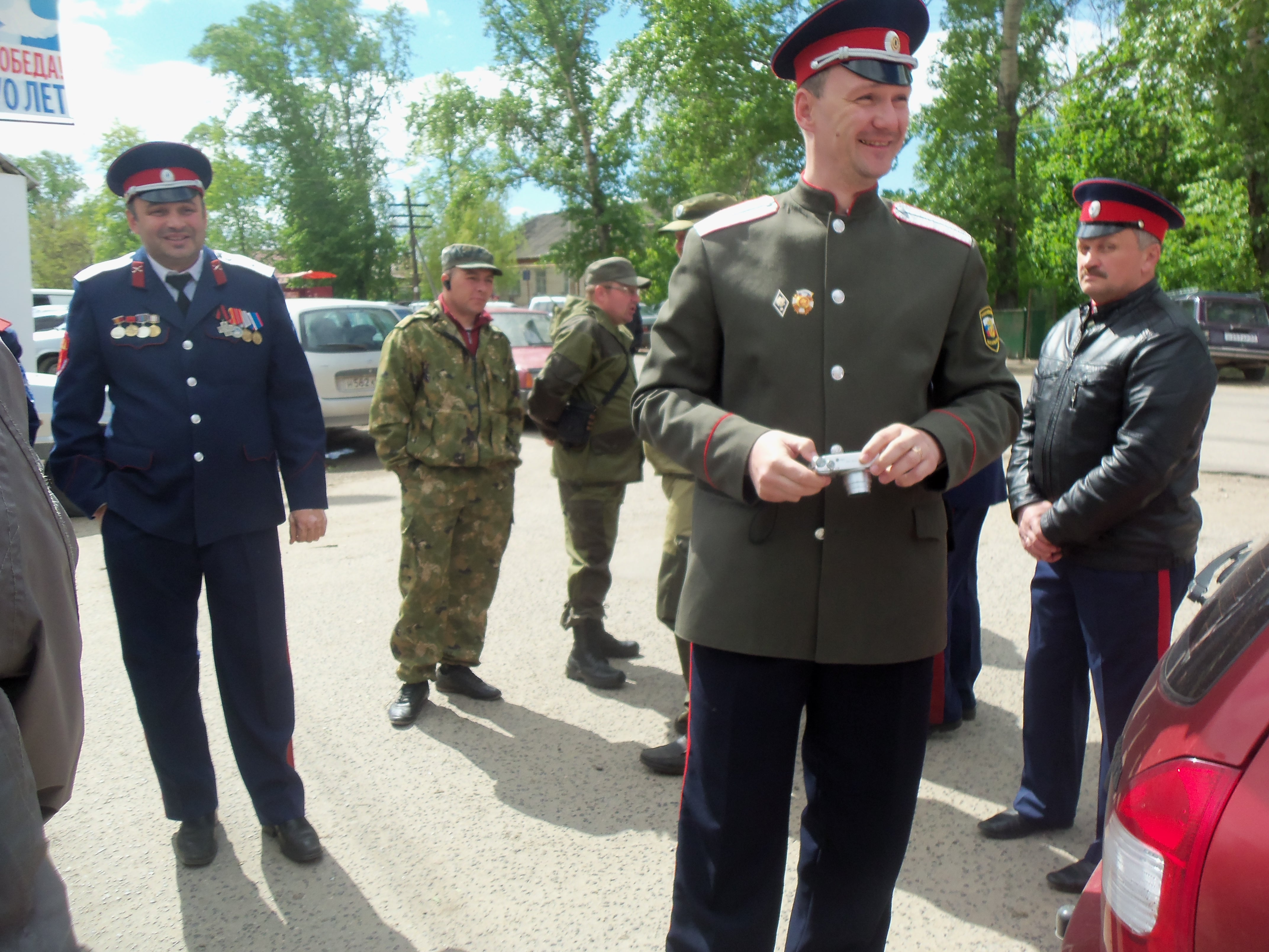 17 мая г.Ливны. Установка поклонного креста. 2015